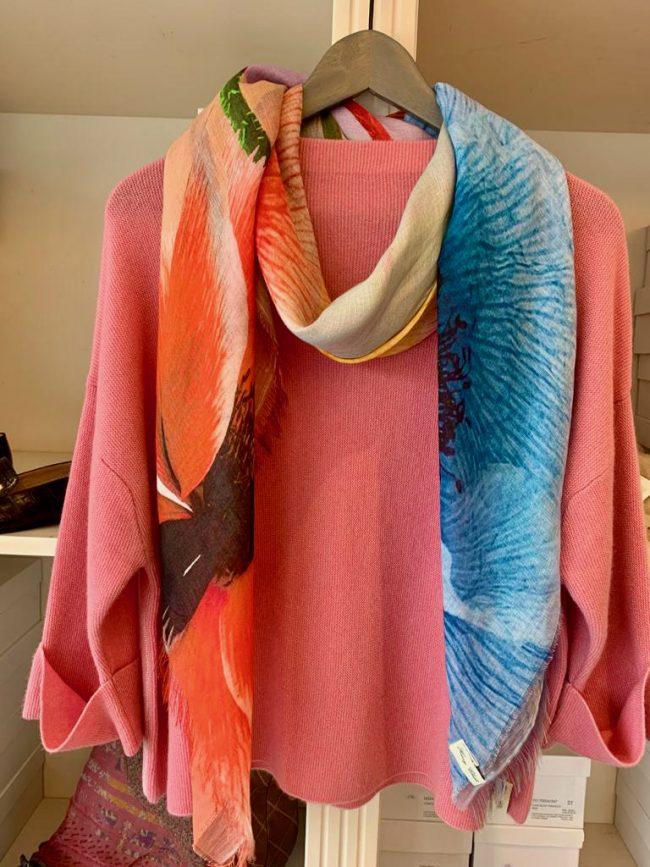 Elegante Mode Grünwald und Starnberg von Anja Hain. Strick, Henry Christ, Pullover, Kaschmir, Sommer 2021
