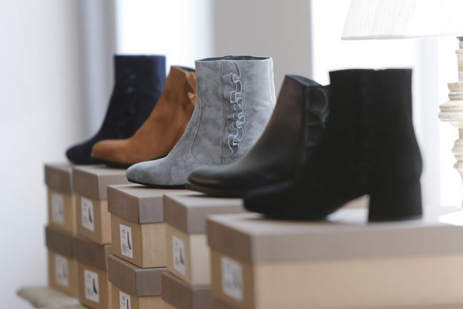 Mode Anja Hain. Schuhe, Strick, Kaschmir, Mode. Grünwald, liebenswertes 2021